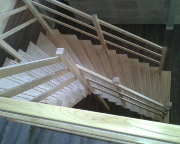 Van Asselt houtbewerking Nunspeet - trap hout